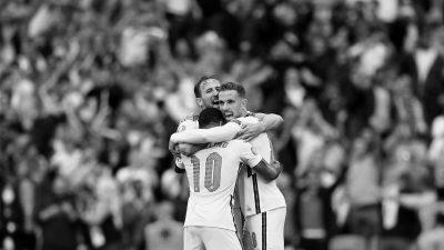 england-national-team-celebrates